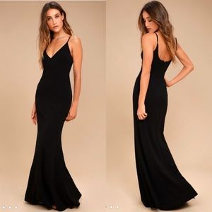 NWOT Lulu's black maxi gown size small